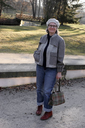 Chic styled with my tweed jacket for the spring walk in Branitzer Park, Cottbus © Griselka 2021