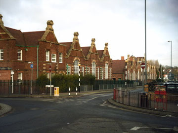 Springfield School from Geograph SP0982 photographed by Brian Robert Marshall licensed for reuse under Creative Commons Attribution-ShareAlike 2.0 Generic (CC BY-SA 2.0) licence