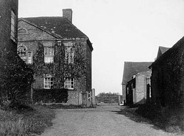 Quinton Farm. Image 'All Rights Reserved' courtesy of Bernard Taylor of the Quinton Local History Society from the John Hope Collection.