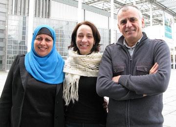 -Radhia Briki (von links), Nora Ghiani und Suliman Ali