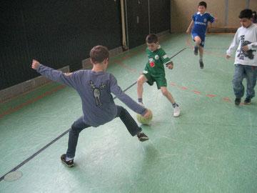 Tolle Dribblings bei den Kickern der Fußball-Pausenliga