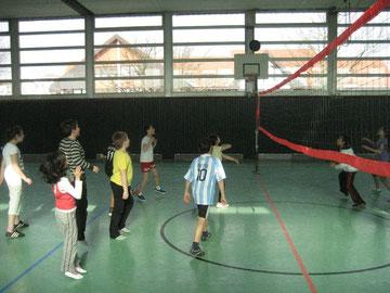Die 3a spielt hervorragend mit der 4c Volleyball