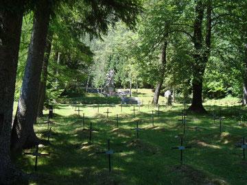 Blick über den Soldatenfriedhof Log pod Mangartom Isonzofront