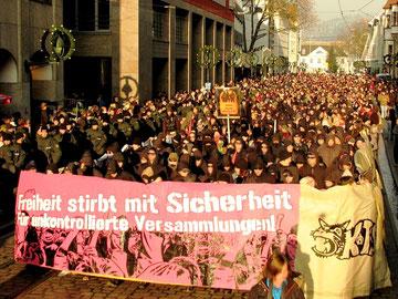 Autonom antirepressionsdemo i Freiburg 2013