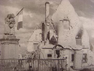 """The statue known as """"Monument aux morts dit Monument de la Fidélité à Bennwihr"""""""