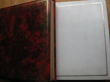 父が嫁ぐ私に贈ってくれた2冊のアルバム