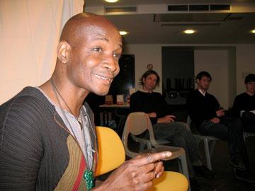 Rencontre et discussion avec Kossi Efoui, le 14 mai 2011, à St Lumine de Coutais.