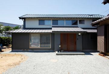 母屋新築後、倉庫として使われていた古家をリフォーム