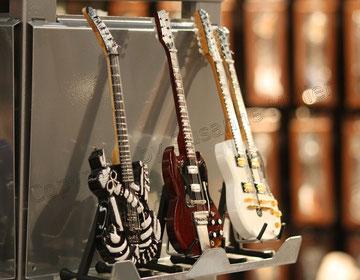 Mini-Gitarren mit viel Liebe zum Detail