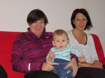 Der süsse Thierry mit Mama Martina und Bea