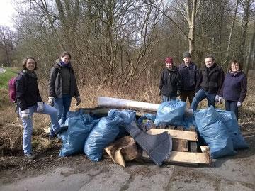 Der Müllhaufen in Riemserort Foto: Juliane Kostowski
