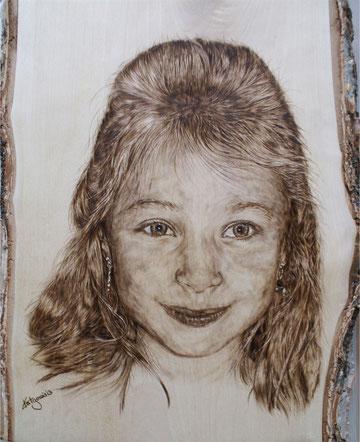 Portrait Mädchen in Brandmalerei