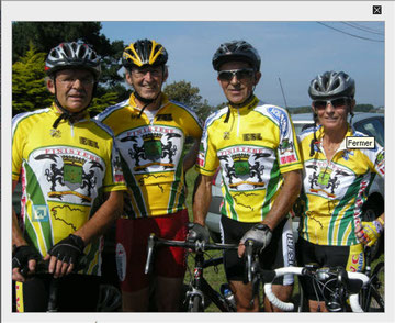 Robert Ogor, Bernard Lamour, Joël Kérébel et Marie-Hélène Gouzien, des élus qui ont mouillé leur maillot, pour représenter la commune au championnat de Bretagne