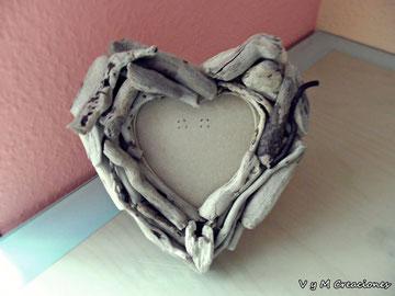 marco de fotos madera, portafotos madera de mar, corazon madera, maderasdelmar.com