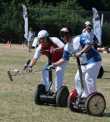 Team Rot der Hemer Butterflies startet mit einem Sieg über die Funky Move Turtles ins Turnier.
