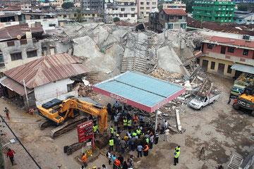 Crolla un palazzo di 8 piani a Malindi-Kenya