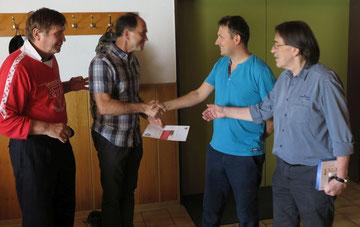 Andrei Skatschkov (Zweiter von links)