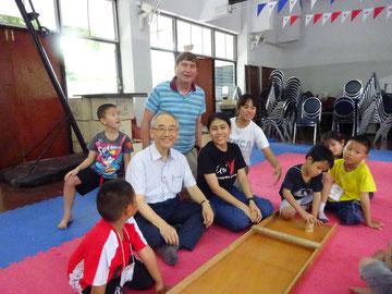 Nam Boo Wan (von links), Manfred Wille, Tidarat Penvuit und Adcharaphon Pattima