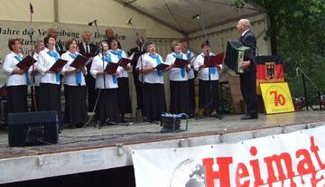 Sängerinnen und Sänder des Chores der deutschen aus Russland in Berlin