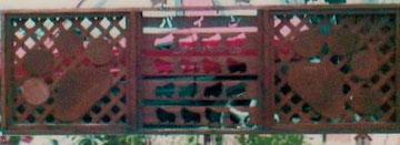 ペット犬肉球足跡フェンス庭札幌