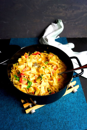 One-Pot-Pasta mit Currysauce