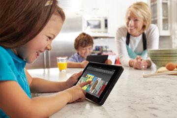 iPadよりも一回り小ぶり Amazon.com