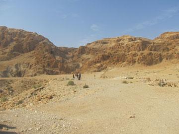 одна из пещер, где были найдены первые свитки