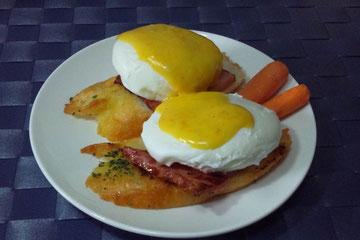 オランデーズソースを使った料理(エッグベネディクト)