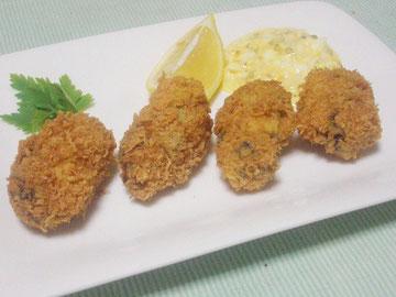 牡蠣フライとタルタルソース