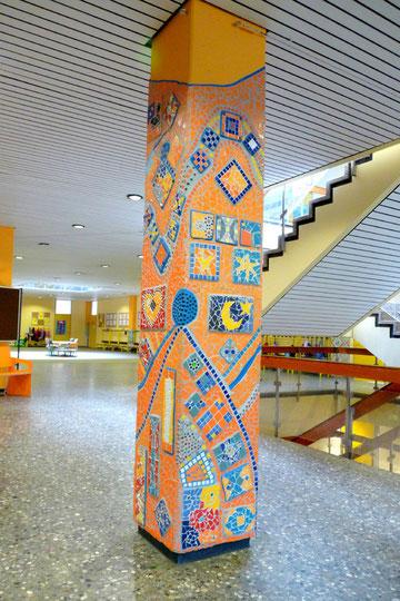 Die Dritte Säule! Kunst am Bau mit Schülern - Roswitha Farnsworth