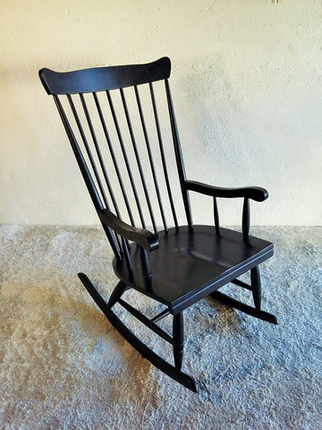 rocking chair noir vintage muros design et vintage en bourgogne. Black Bedroom Furniture Sets. Home Design Ideas