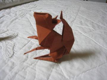 りす。折り紙2枚使っているそうです。