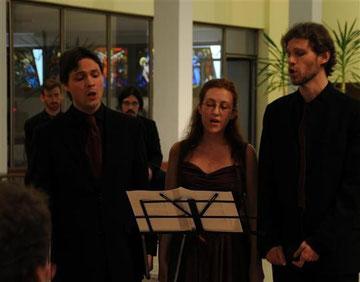 Moment d'émotions avec l'ensemble polyphonique Vox Vagans. Des harmonies qui font vibrer l'âme et le ciel s'éclaire... Photo Matthieu Dutour