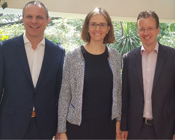 Elucidated LH Cargo's Africa business (left to right): Frank Beilner, Dorothea von Boxberg, Thorsten Windten  -  pictures: hs