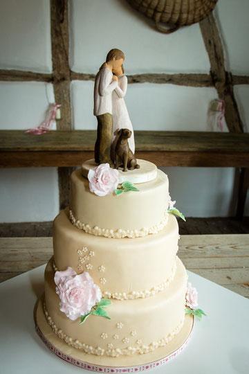 Hochzeitstorte Vinatage BoHo rustikal romantisch