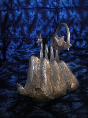 """""""Ils regardaient monter en un ciel ignoré du fond de l'océan les étoiles nouvelles"""" (bronze réalisé chez Kossy Traoré au Burkina faso en février 2011 )"""