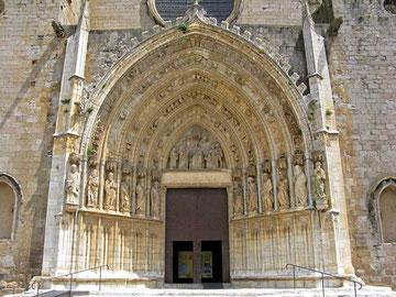 Portal mit den 12 Aposteln - © Traudi