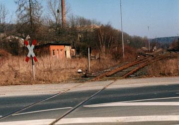 Die Einfahrt in den Bahnhof aus Weine kommend