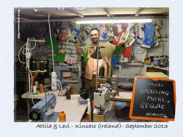 Attila et Levi dans l'atelier de Mamukko