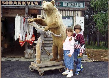 Vente de peaux de rennes près du cap Nord en 1986