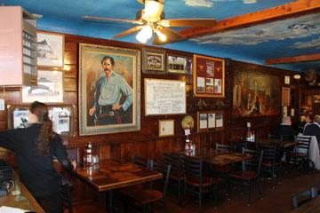 Foto Longhorn Saloon