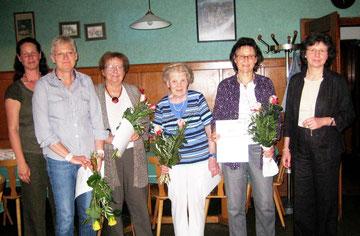 v.l.: Melanie Tritschler (2. Vorsitzende), Angelika Burr, Irmgard Dinger, Ruth Reichmann, Gudrun Gruber, Sibylle Strobel (1. Vorsitzende)