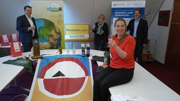 Freuen sich über den Sonderpreis: Sebastian Schauer, Ruth Dorner, Marina Malter und Ralf Mützel (von links) Foto: Herbert Meier/Stadt Neumarkt