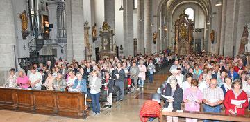 Rund 600 Sammlerinnen und Sammler sowie Ehrenamtliche in Caritaseinrichtungen nahmen am Gottesdienst im Dom sowie an der Feier im Festzelt teil. Foto: Peter Esser/Caritas