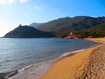 Spiaggia di PortoFerro (2 km)
