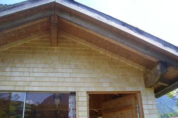 Abschluß mit Zopf an der Dachschräge