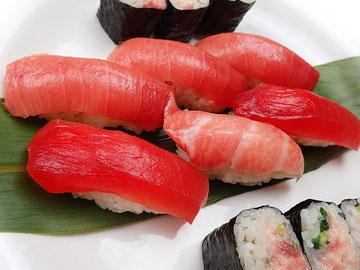 中央区日本橋まで美味しいお寿司を宅配します!