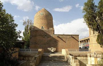 Wikipedia: Mausoleum von Esther und Mordechai