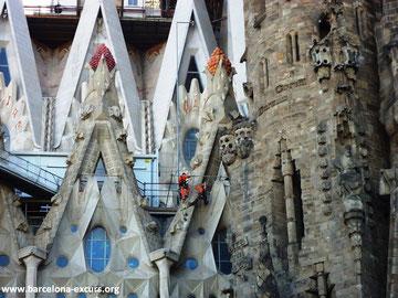 Саграда Фамилия (Барселона) - под храмом проложен тоннель