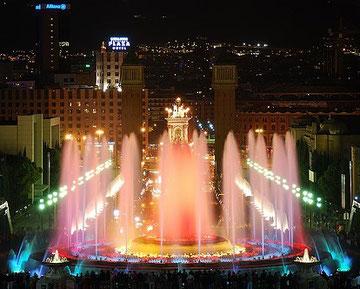 Поющий фонтан Барселоны